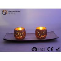Set of 2 glass candle holder with wooden plate and LED tealight
