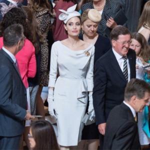 China 2018 Angelina Jolie Same Elegant White Dress Split Celebrity High Quality Women Designer One Piece Dress Slash Neck wholesale