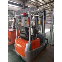 China 24V Battery Operated Electric Forklift Truck 3 Wheel Automatic Transmission on sale