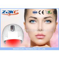 Use LED beauty device to reduce wrinkle with red light treatment