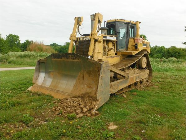 Quality Year 2003 Second Hand Bulldozers , Caterpillar D8R Mini Crawler Dozer For Sale  for sale