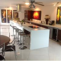 China White Artificial Quartz Stone Kitchen Countertops And Island Customized wholesale
