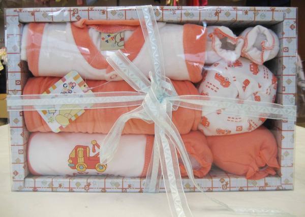 Какие подарки подарить на рождение ребенка