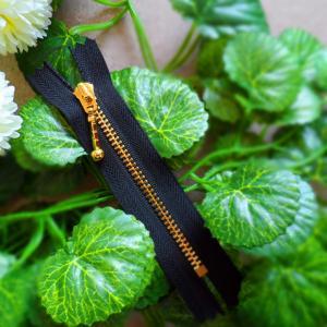 China No.5 Goldplating Metal Zipper / Decorative Zipper Pulls with Brass Teeth wholesale