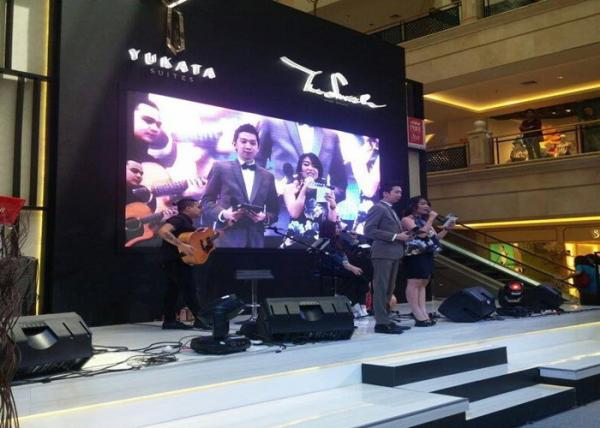 Quality Full Color Mobile Led Video Wall Hire / Led Video Curtain Rental For Conference 3.91mm Pixel Pitch for sale