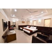 China India Lance Hotel Project Furniture Set With SGS E1 / E0 Grade Plywood on sale