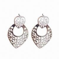 China Cheap Fashionable Big Hoop Plain Zinc Alloy Earrings, OEM and ODM Orders Available wholesale