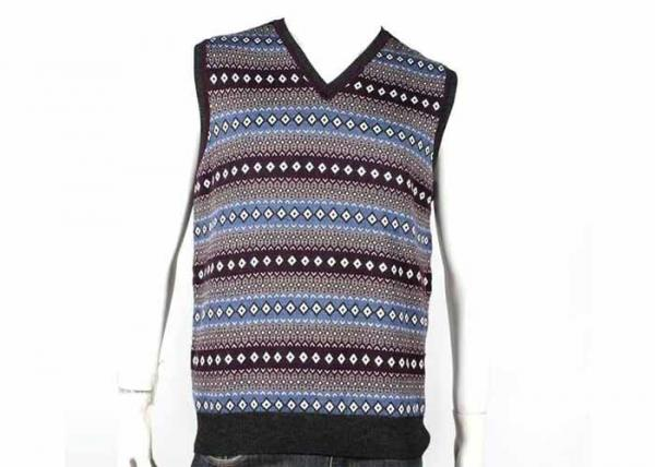 Quality V Neck Design Fall Mens Cable Knit Sweater Sleeveless Vest In Jacquard Pattern for sale
