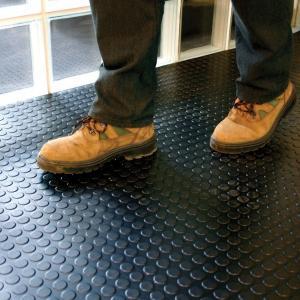 China Interlocking Industrial PVC Vinyl Floor Tiles Garage Floor PVC Mats wholesale