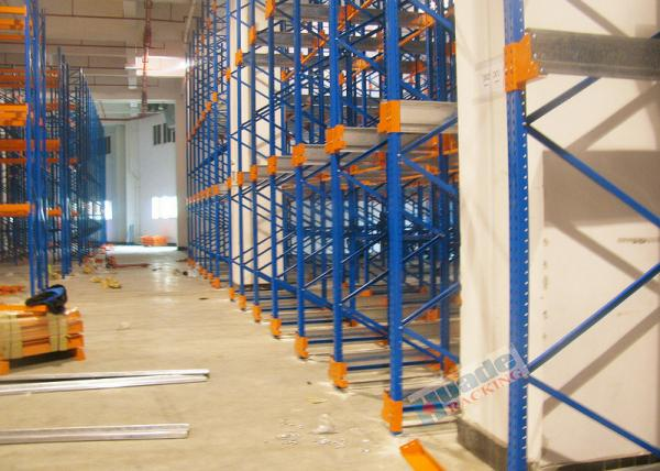 Quality Warehouse Racking Shelves Radio Shuttle Storage System Stable To 12 Meters High for sale