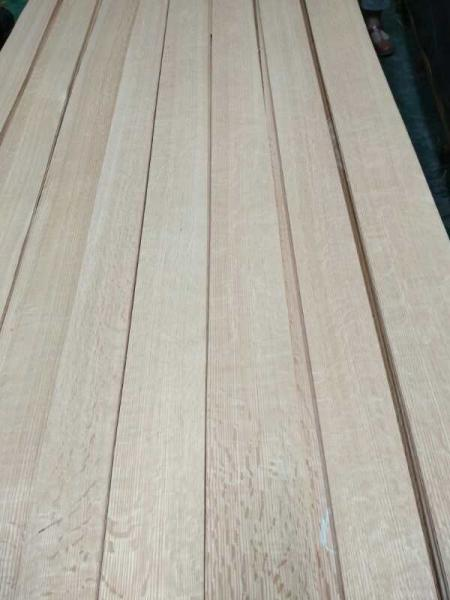 Quality Red Oak Natural Wood Veneer with Flake at very Cheap Price !!!! for sale