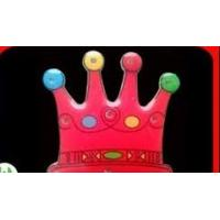 China  pvc promotional LED flashing crown pins badge with unique logo wholesale