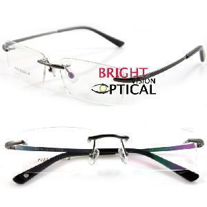 China Rimless Pure Titanium Man′s Optical Eyeglasses Frames (1038) wholesale