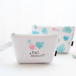 China Eco Friendly Zipper Closure Pineapple PU Cosmetic Bag wholesale