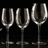 China Hand-blown glassware goblet wine glasses, various sizes and colors are available wholesale