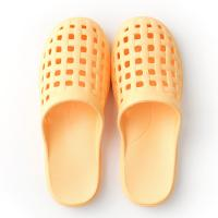 China Laides Garden Clog Slippers , Clog Type Slippers Ergonomically Design wholesale