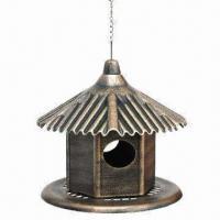 PP plastic bird feeder, measures 33x36cm