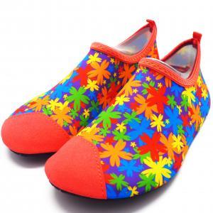 China Eco - Friendly Anti Slip Water Shoes Ladies Water Socks Take Off Easily wholesale