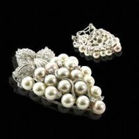 China Shining Silver Brooches, Pearl, Fashion Brooch Design for Women's and Girls' wholesale