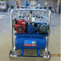 China Stainless Steel 4 Bucket Milking Machine With 1440 r / Min Motor Speed wholesale
