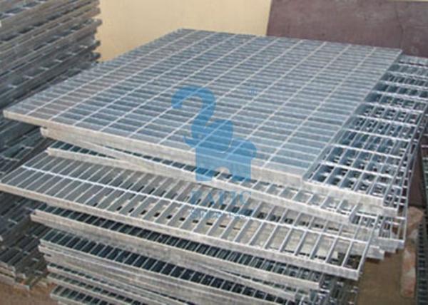 Quality Résistance industrielle de Crossion de couvercle de drain de plancher de place de grille de drain en métal for sale