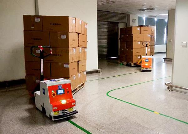 Quality AGV Automated Guided Robot , Automated Guided Tugger High Guiding Accuracy for sale