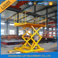 China 600KGS 2M Warehouse Hydraulic Cargo Scissor Lift with Movable Wheels wholesale