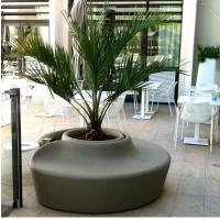 China Shopping Mall Flower Pot Decoration Seat Pedestrian Walkway For Park And Leisure Place wholesale