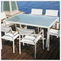 Beautiful Outdoor Furniture Dining Table with Toughened Tempered Glass