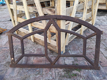 Quality Ancient Buiding Decorative Reclaimed Metal Window Frames Cast Iron For House for sale
