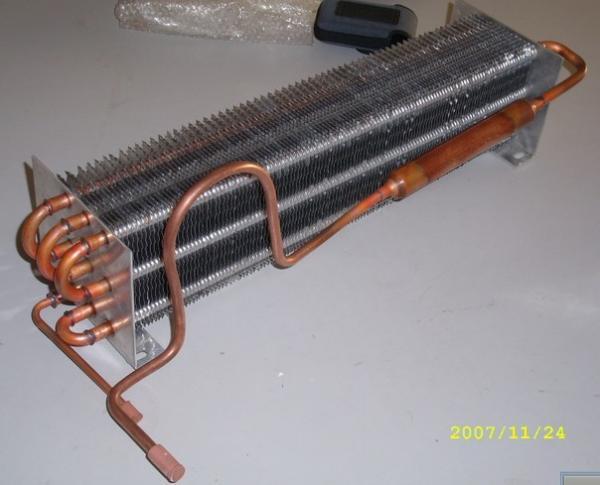 Медный теплообменник с алюминиевым оребрением теплообменник вода вода 40 квт