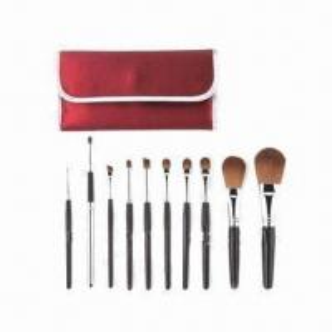 China Kabuki Makeup Kit with Wooden Handle wholesale
