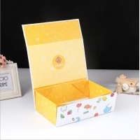 China Foldable wholesale custom gift box children clothing toy packaging box on sale