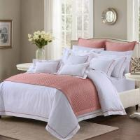 China Soft And Sophisticated Hotel Bed Linen Queen Size With Piping Edge For Restaurant wholesale