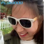 China El espejo de bambú de TAC de las gafas de sol de la venta caliente del verano polarizó gafas de los pernos del bambú de las gafas de sol wholesale