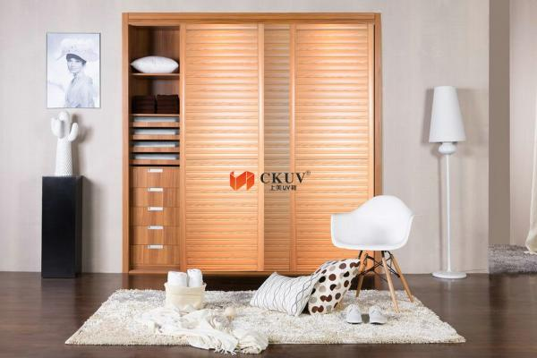 Louver closet doors images for Kitchen wardrobe colours