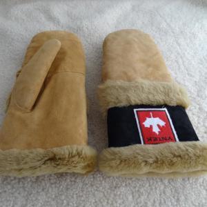 China Shearing Wool Waterproof Warm Winter Thinsulate Ski Gloves on sale