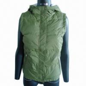 China Women's short down vest/detachable fake rabbit fur hood, 2013 fashionable design on sale
