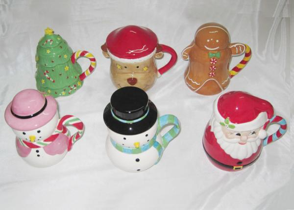 Quality Easy Clean Dolomite Hand Painted Christmas Themed Mugs Food Grade With Covered for sale