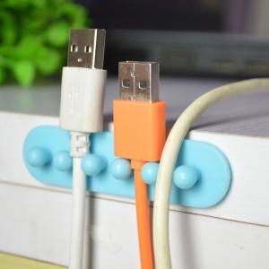 China Câblez l'ordinateur adversive de l'agrafe pp de baisse utilisant le fil tenant le support de prise de bureau de gestion wholesale