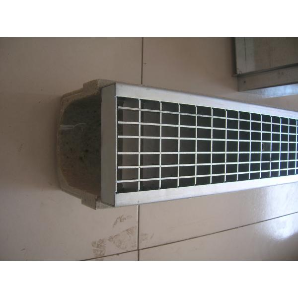 u-shape linear drainage trench/channel /gutter with diferrent