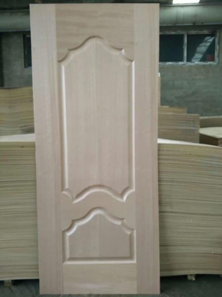 Quality 5 - 10% Moisture HDF Door Skin High Durabiloity Wood Veneer Door Skin for sale