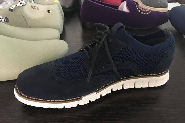 Quality Флыкнит с связанным оуцоле ЕВА замши верхним облегченным для отдыха собирает ботинки людей for sale