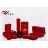 China Fáciles determinados del joyero rojo cuadrado del terciopelo limpian para el almacenamiento del pendiente/del collar wholesale