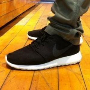 China Nike Roshe Running Shoes Black Sailgrey on Feet - ruyitrade. com wholesale