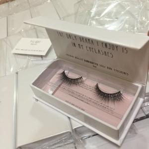 China Cheap eyelash synthetic silk PBT/PET material tip mellow lashes gift flat box wholesale