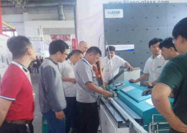 Quality Double Glass Extrusion Coating Machine Pressure Resistance With Pneumatic Component for sale