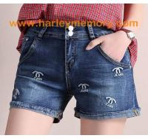 China 2018 fashion woman jeans short pants on sale