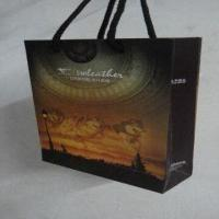 China 250gsm White Cards Gift Bags,Customized Designs are Welcome on sale