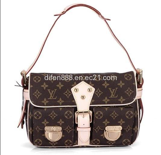 coach designer purses  coach tote business
